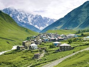 アルプス山岳地帯に建つ家