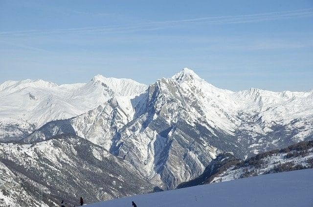 イタリア・トルデジアン330KmグレートレースNHK絶景アルプス山脈の風景。