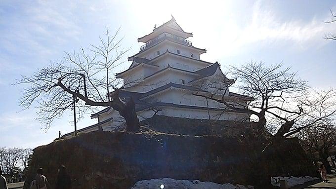 ロードバイクの輪行で鶴ヶ城に行って来た。