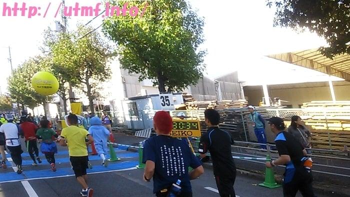 大阪マラソン2016サブ5ペースで京セラドームから南港大橋を走る。