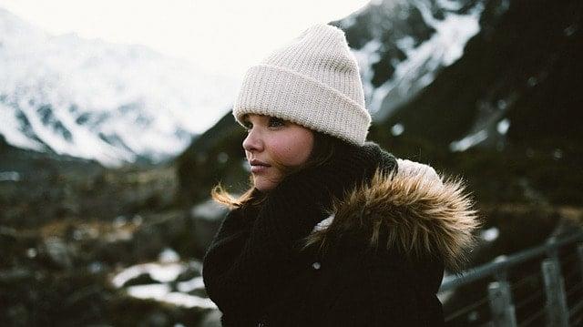 極寒の寒さでも頭を保温するニット帽!スポーツ仕様のビーニーとは。