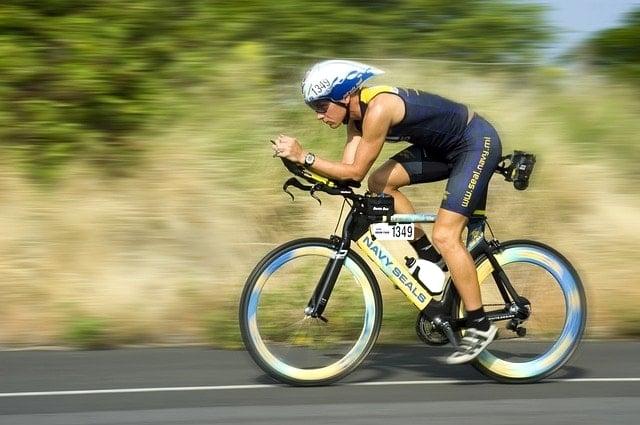 ロードバイク選びはギア数と自転車メーカーで選んで予算内に収める。