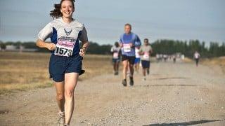 第2回千葉アクアラインマラソン完走メダル目指して走る。