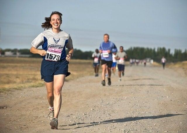 大阪マラソンへの応募と東京マラソン2016への走行距離を検証した女性ランナー達。