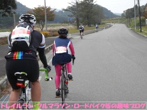 ロードバイクで猪苗代湖一周に挑戦!サイクルエイドジャパンの女性選手。