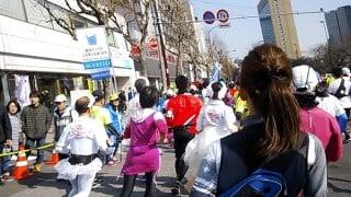 東京マラソン2016東京タワー・浅草雷門・スカイツリーへ走る。