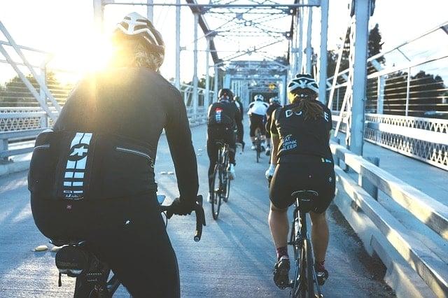 ジャイアントリブ(LIV)ストアとハヤサカサイクルでのロードバイク選び。
