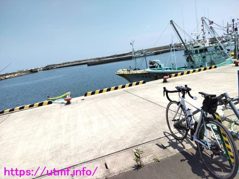 Road bike and sea view of Minamisoma city